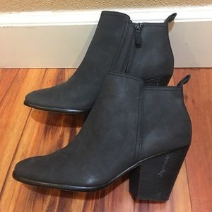 Cole Haan women's ankle boots size 9.5B